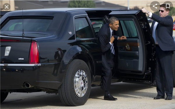 Why do Secret Service agents always hold the door open on the opposite side as the US president is getting into the car?