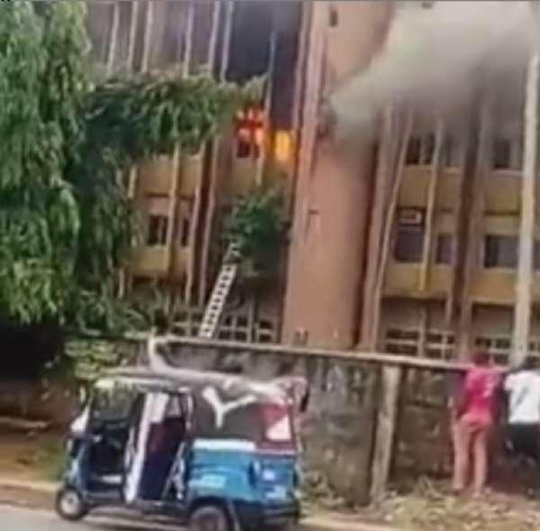Federal Secretariat, Asaba on fire