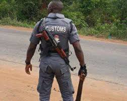 BREAKING: customs allegedly kill another youth on New Year's eve in Oke-Odan