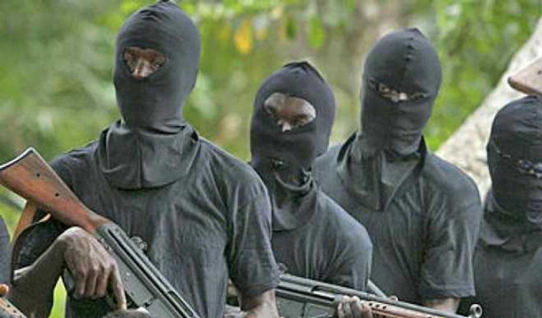 Unknown gunmen kill two policemen in Enugu