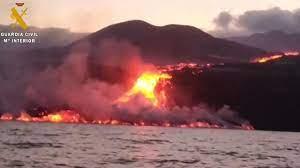 La Palma Volcano: Toxic Gas Fears as Lava Reaches Ocean